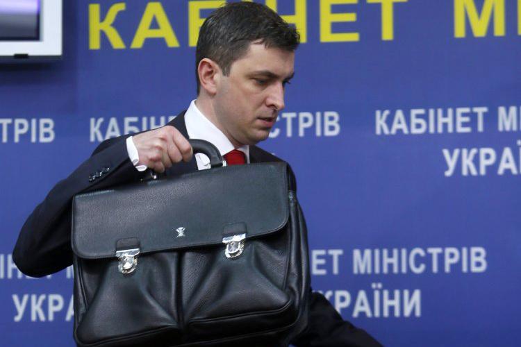 В Кабмине намерены получить 13,175 млрд грн от приватизации Одесского припортового завода