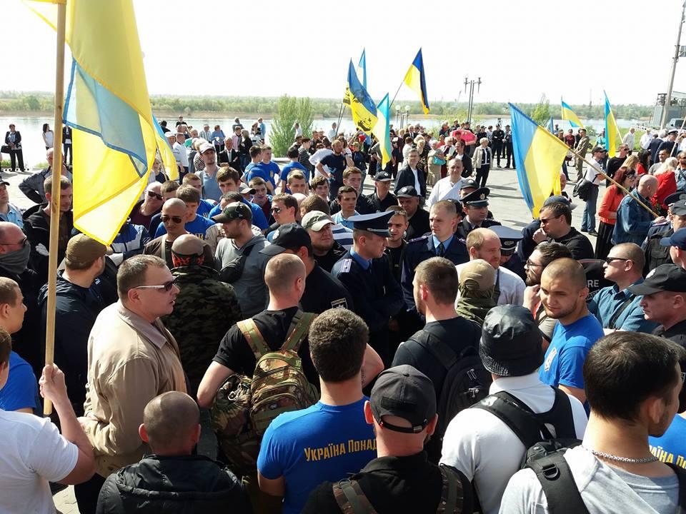 LGBT - Ukraine crisis. News in brief. Monday 1 May. [Ukrainian sources] F71f8fa1f8ab819c2025dfc946db67b4