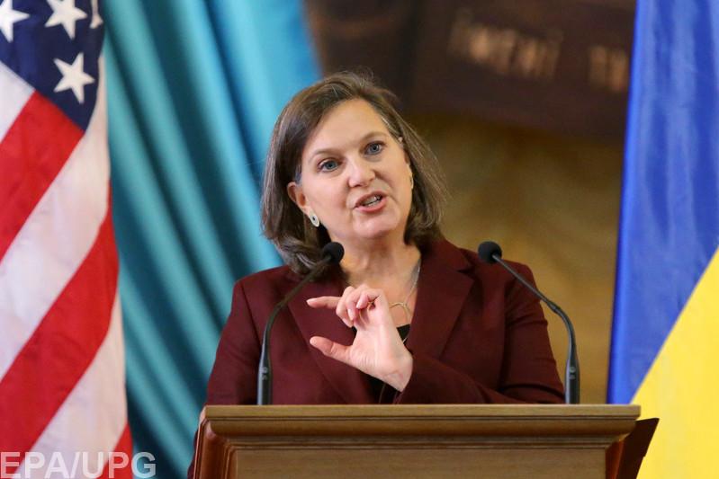 От Украины требуют проведения выборов на Донбассе, иначе санкции против России продлены не будут