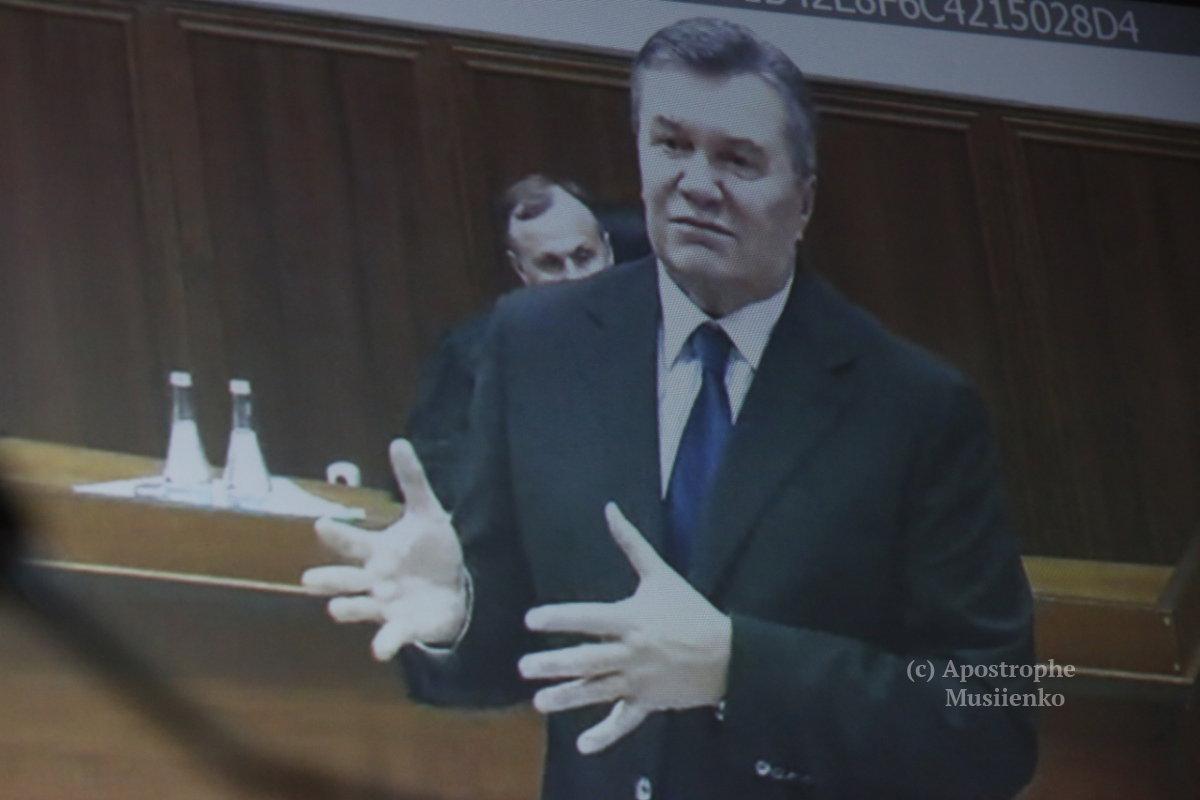 Мимика Януковича в суде: Ничего не помню, но я не виноват