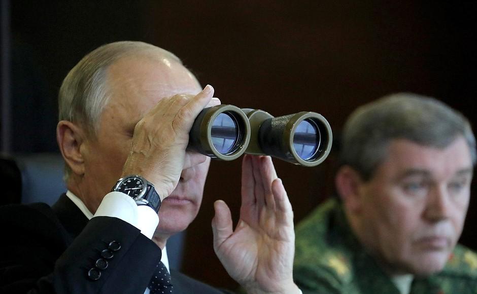 Путин довел Россию до такого состояния, что на стрельбу из вертолетов не реагируют СМИ